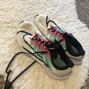 Nike size 11 tennis shoes in PERFECT condition